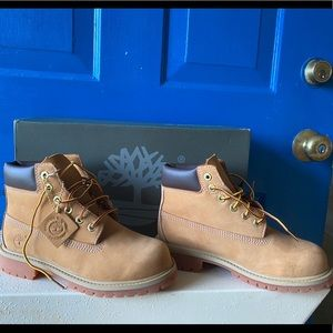 EUC Authentic Timberland boots